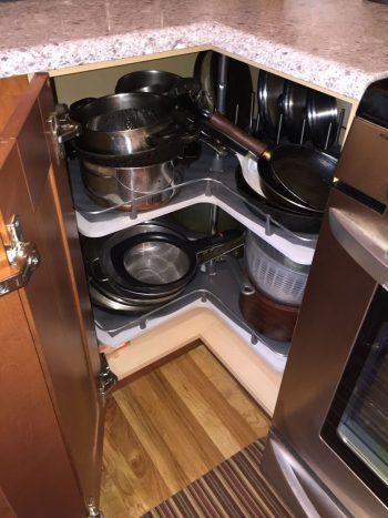 10 Ways to Organize Baking Pans6