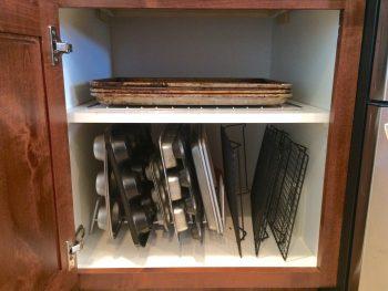 10 Ways to Organize Baking Pans7