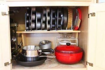 10 Ways to Organize Baking Pans9