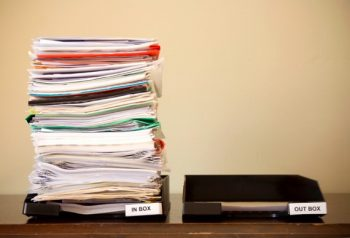 12 Easy Ways to Organize a Desk