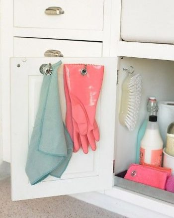 8 Easy Ways to Organize Under the Sink2