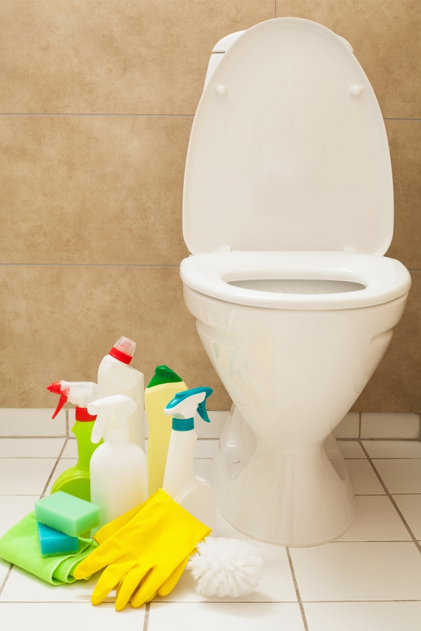 Uses for Magic Erasers on the toilet