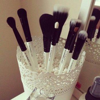 8 Ways to Organize Your Makeup