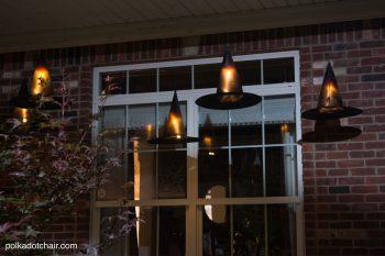 13 Spooky Halloween Porch Decorations3