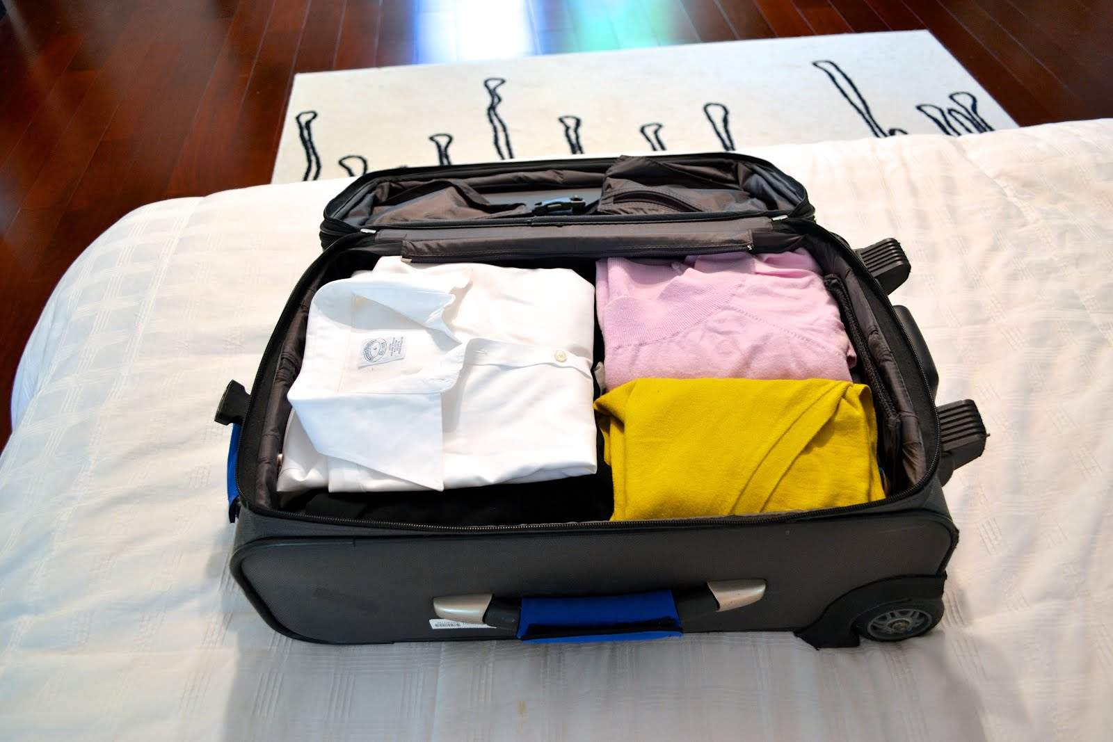 15 Ways to Stay Organized While Traveling11