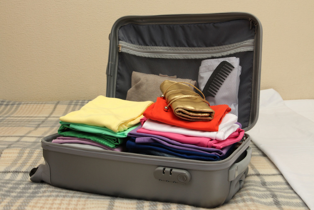 15 Ways to Stay Organized While Traveling9