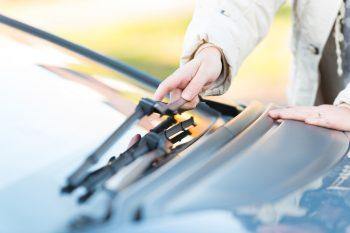 12 Genius Winter Car Cleaning Hacks8