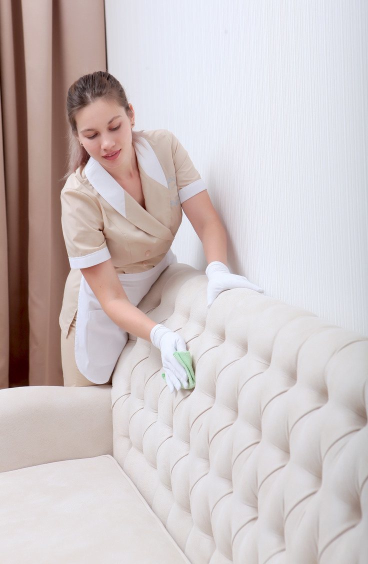 Got a microfiber couch? You need to know how to clean a microfiber couch with some easy tips! You will love the way your couch looks!