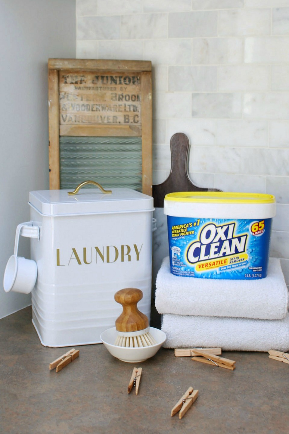 Clean This With Oxiclean  Cleaning, Cleaning Hacks, Oxiclean Cleaning Tips and Tricks, Cleaning 101, Organization, Organization Hacks, Home Cleaning Hacks, Popular Pin #Cleaning #CleaningHacks