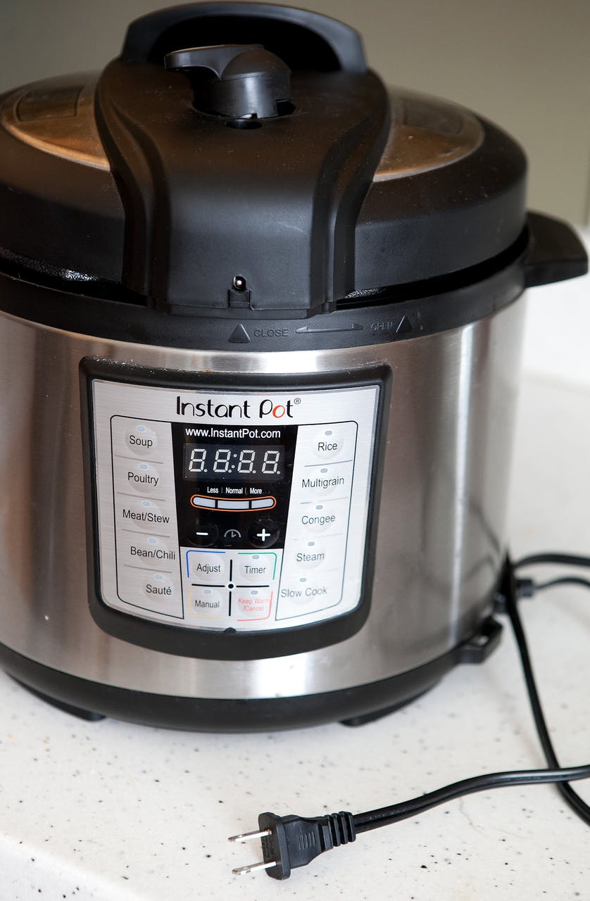 How to Deep Clean Your Instant Pot| Instant Pot, Instant Pot Care, How to Clean An Instant Pot, Cleaning an Instant Pot, Cleaning, Cleaning Tips, Cleaning Tricks, Instant Pot Cleaning, Popular Pin #InstantPot #Cleaning