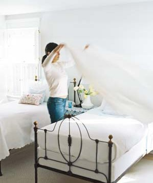 Bedroom Spring Cleaning Checklist  Spring Cleaning Checklist, Spring Cleaning Bedroom, BEdroom Spring Cleaning, Spring Cleaning Tips, Cleaning Tips, Cleaning, Cleaning Hacks, Spring Cleaning #SpringCleaningChecklist #SpringCleaning #Cleaning