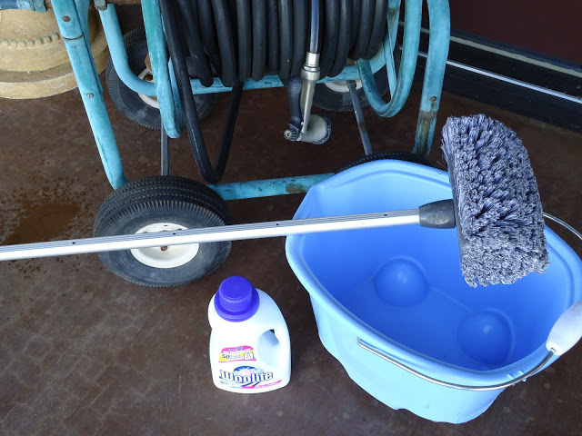 8 Hacks for the Cleanest Windows EVER   Cleaning, Cleaning Windows, Cleaning Windows Tips, Cleaning Tips, Cleaning Hacks, Cleaning Hacks Tips and Tricks