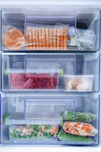 Nothing is worse than having a messy deep freezer. These tips will help you organize your deep freezer. You'll be amazed at the difference using freezer bins makes.