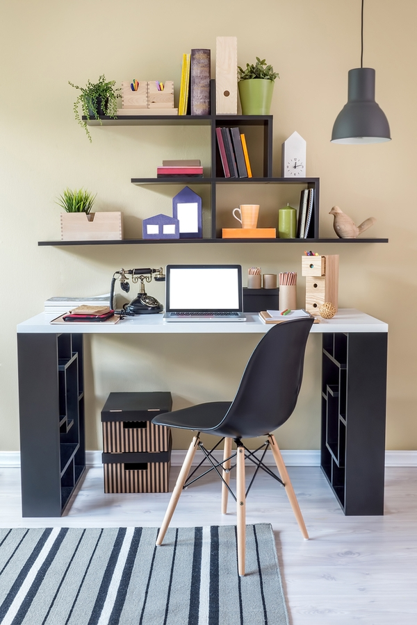 Take a look at these unique ideas for the home. Ways to clean and organize with household items. Even some unique ideas for the bedroom. You definitely want to know these hacks! Your office will feel so much better!