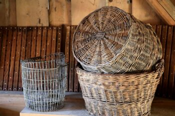 Use wire baskets to organize your space