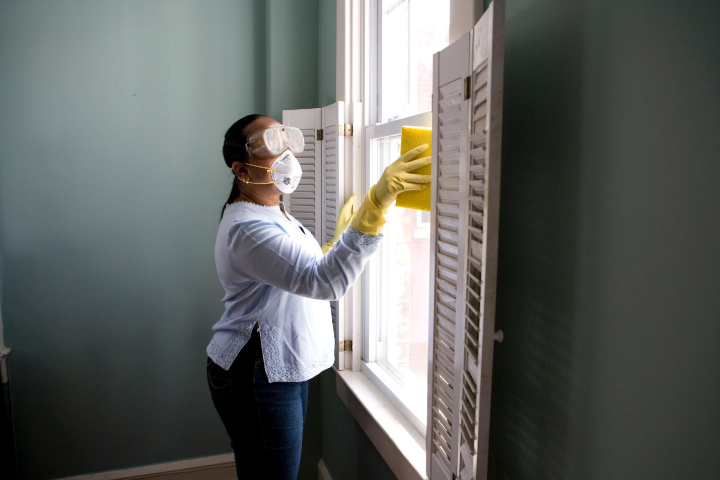 Making a checklist for fall cleaning