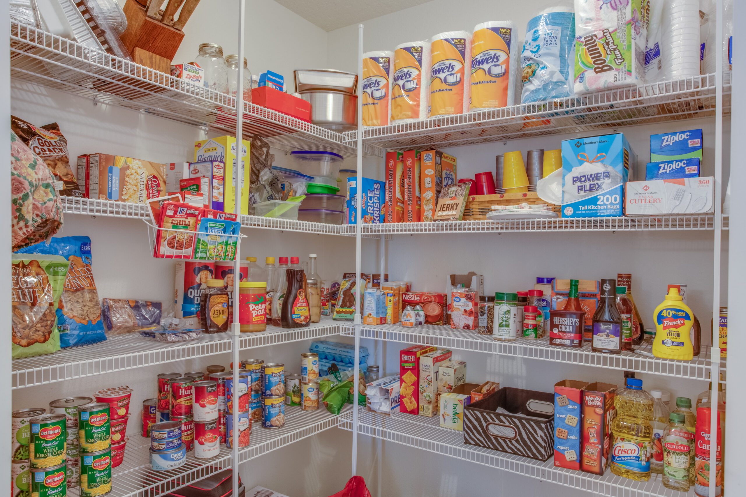 Shelf organizers for your kitchen pantry