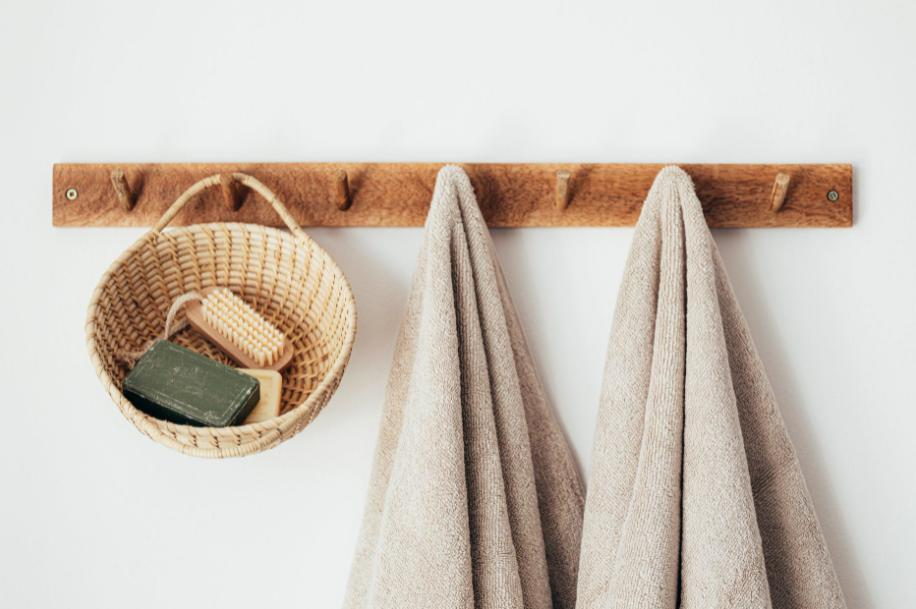 Storing towels in the bathroom - Storage mistakes