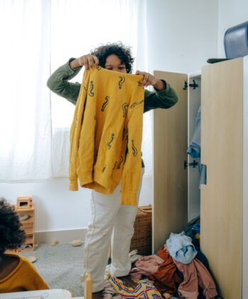 Making space in your closet using Swedish death cleaning procedure