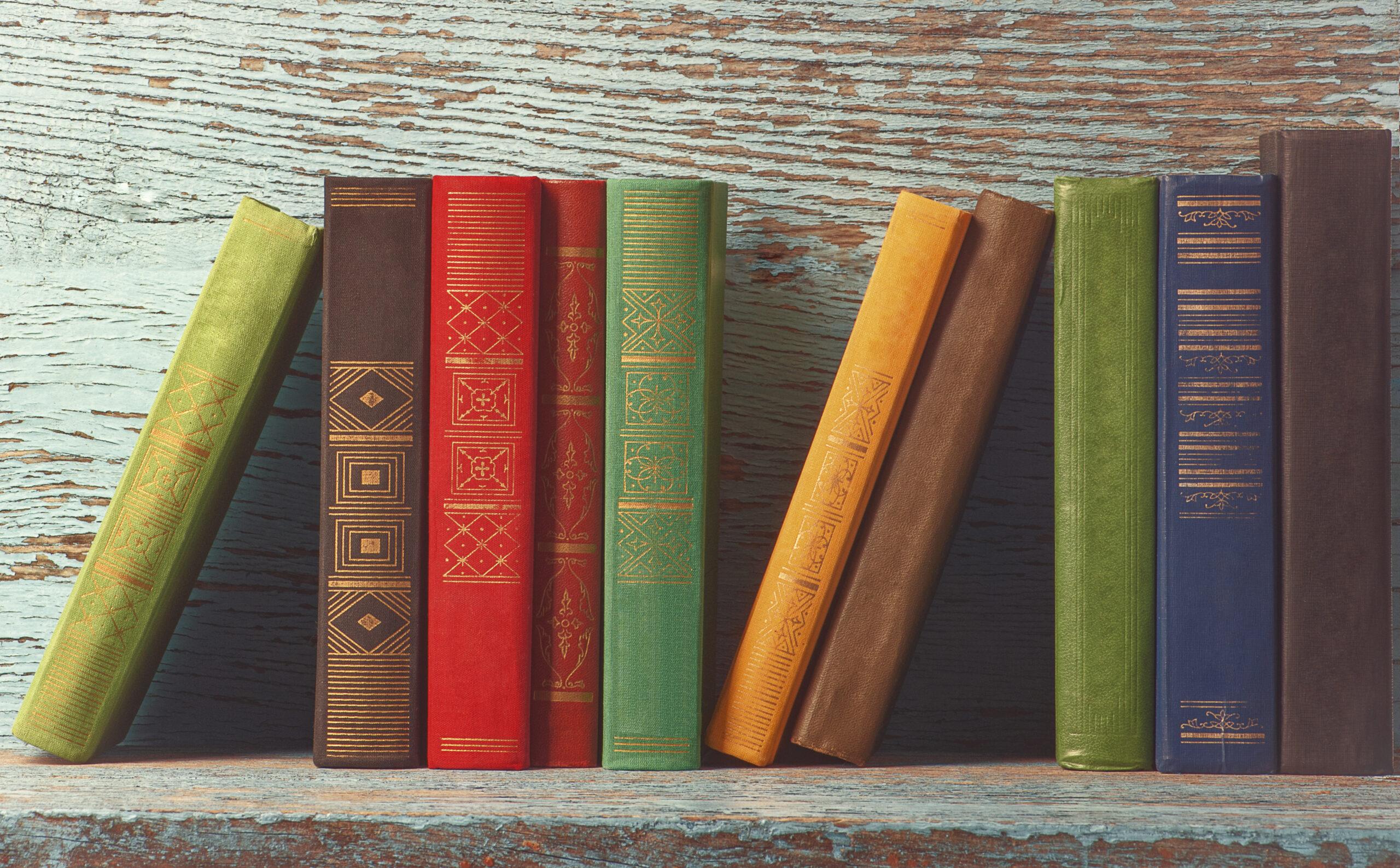 Corner shelf book storage ideasv
